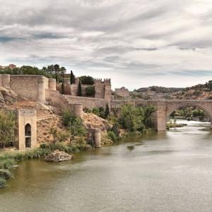 Panorámica_de_El_Puente_de_San_Martín_Toledo